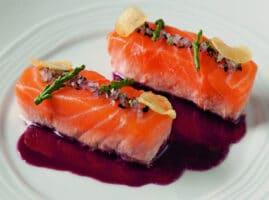 Filete-de-pescado-con-mantequilla-roja