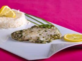 Filetes de pescado con mantequilla de hierbas